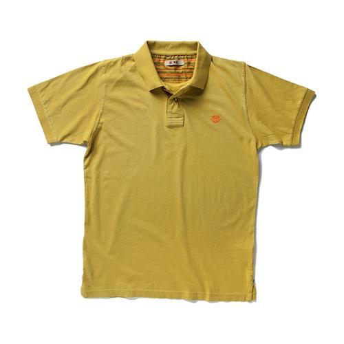 T-shirt und Hemd